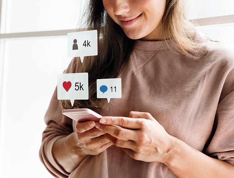 smartphone-social-media-conecpt