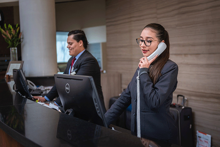 receptionists-hotel-reputation-management