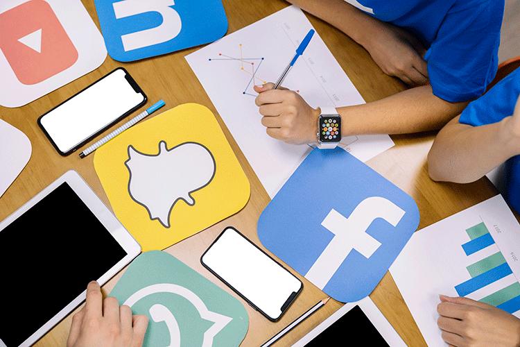 facebook-snapchat-instagram-application-logos
